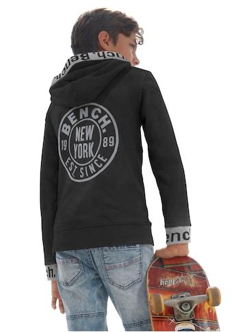 Bench. Kapuzensweatshirt, mit reflektierenden Drucken kaufen