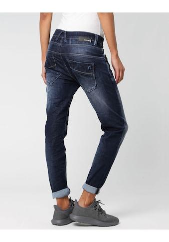 GANG Slim-fit-Jeans »New Georgina«, mit charakteristischen Abnähern quer über den... kaufen