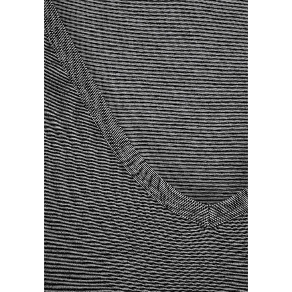 Bench. Funktionsshirt, aus atmungsaktiver COOLMAX® Ware