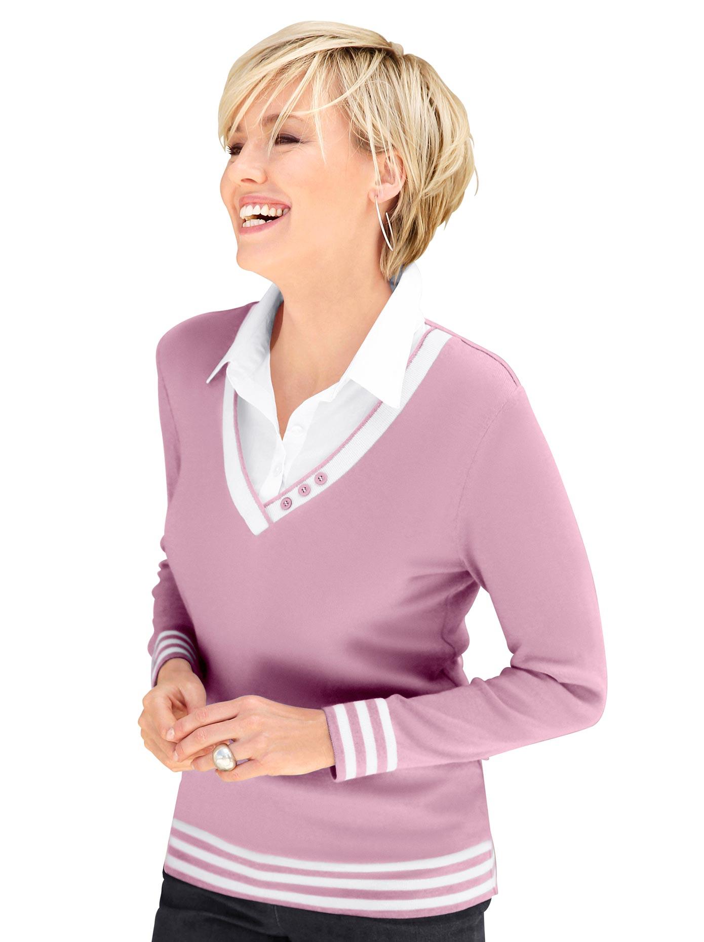 Image of Casual Looks 2-in-1-Pullover mit Zierknöpfen am V-Ausschnitt