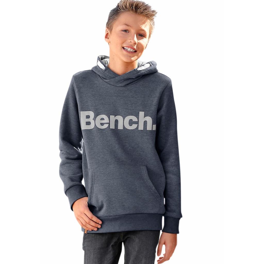 Bench. Kapuzensweatshirt, mit grossem Logo-Druck vorn