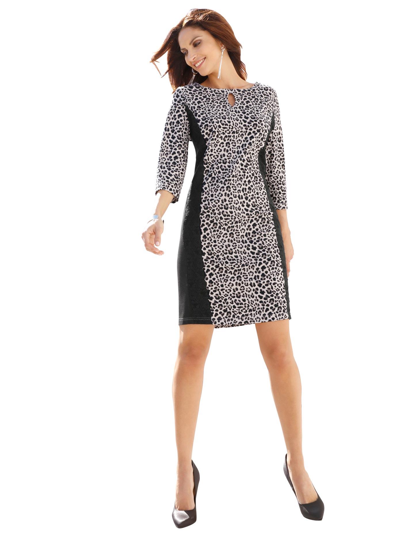 Image of Alessa W. Jersey-Kleid mit U-Boot-Ausschnitt
