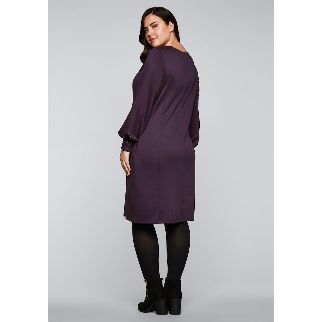 Sheego Jerseykleid, mit kontrastfarbenem Folienprint