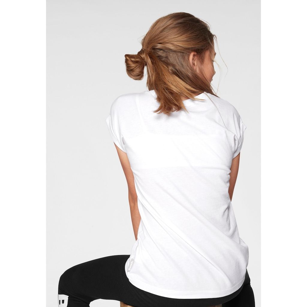 Bench. T-Shirt, in weiter legerer Form