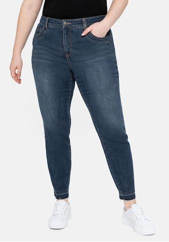 Sheego Stretch-Jeans, mit Bodyforming-Effekt und Fransensaum kaufen